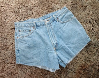 Vintage LEVI's cut off shorts relaxed fit 550 W36 size L
