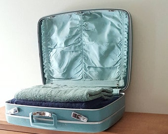 Vintage Royal Traveler Samsonite Suitcase Turquoise Blue Hard Shell Travel Case From 1960's