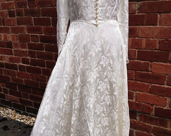 Truly stunning 40's silk brocade dress, vintage brocade dress, 40's evening gown, vintage wedding gown, 40's silk brocade gown, prom dress