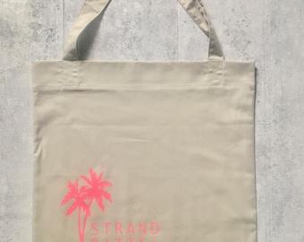 Shopping bag Beach please.
