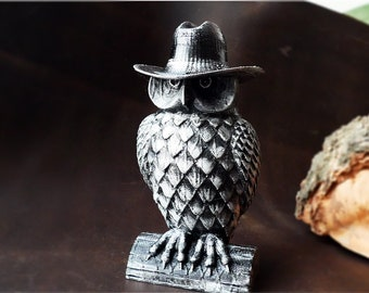 Silver Owl in a hat, mafia boss, 3D Decor, Children's room decor. Animal. Sculpture, Made in 3d Printer. Home disign. gift