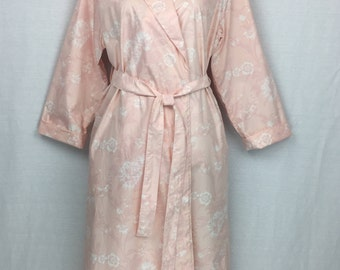Shawl collared Dressing gown/bathrobe in 100% cotton sateen in Shell pink and white