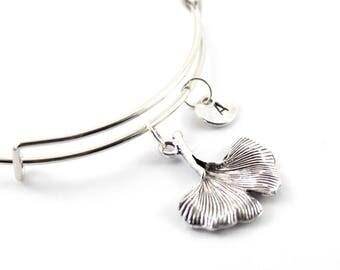 GINKGO charm bangle, ginkgo leaf charm, personalized bangle, initial bangle, personnalized bracelet, initial hand stamped, monogram bracelet