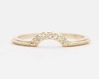 Diamond Solid 14K Gold Curve Wedding Band Crown Ring Guard Beaded Details AD1298