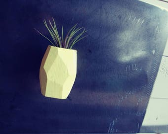 "Geometric Magnetic Air Planter ""THE Ari"""