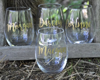 Set of 4 / Personalized Wine Glasses / Bachelorette Party / Bridal Party Glass/ Wine Glass / Bridesmaid Gift / Wedding Wine Glasses