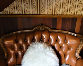 Extra soft and fluffy pillow. 65cm wide. Very long hair. Natural sheepskin.