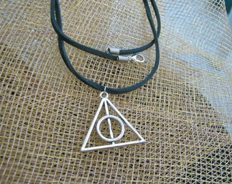 Harry Potter charm black cord Pendant, Deathly Hallows Necklace, Harry Potter charm suede pendent, Antique Silver Harry Potter charm
