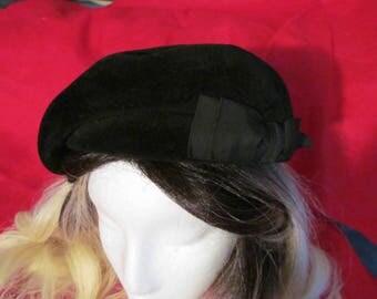 Vintage 1950s black Betmar felt hat