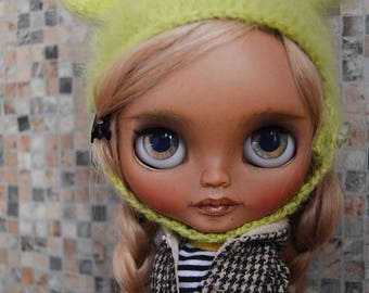 Samantha,ooak custom takara blythe doll with tan skin and two-colors blonde mohair reroot