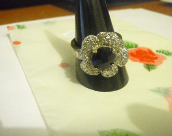 vintage silvertone flower shaped sapphire and cz ring