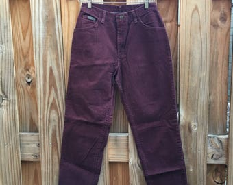Vintage Wranglers // maroon wranglers // maroon jeans // vintage jeans // High waisted jeans