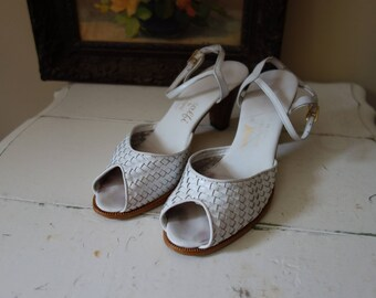 Vintage 1960s white peep toe sandals by Amalfi