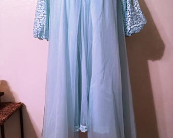 Vintage Baby Blue/Seafoam 60's  Peignoir Night Dress Set