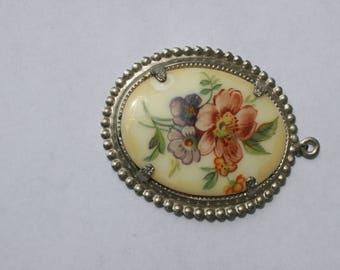 SALE!!! Vintage Classic Floral glass pendant