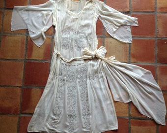 1920s wedding dress/silk chiffon/beaded/crazy sleeves/belt sash/20s/antique wedding/rare/light cream