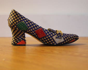 Vintage Colorful Tapestry Pumps | Blue Woven Print Heels | Size 6