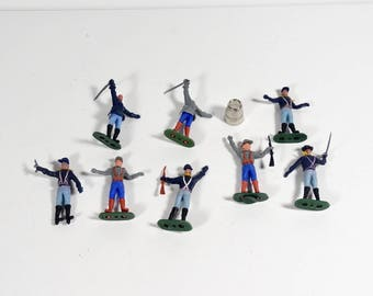 Plastic Civil War Soldiers - Lot of 8 Union and Confederate Toy Soldiers