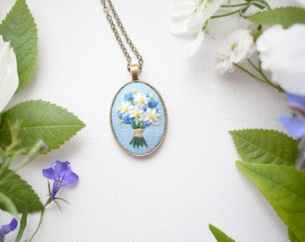 Hand Embroidered Daisies and Cornflowers Pendant, Daisy Bouquet Necklace, Floral Embroidery, Embroidered Pendant, Blue and White flowers