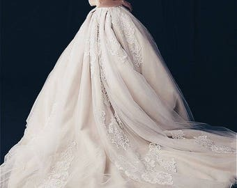Wedding dress bridal dress lace wedding dress White Ivory baroque embroidery wedding gown lace ball gown vintage wedding dress