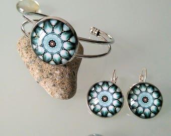 Set Bangle bracelet + earrings with turquoise/black/white flower glass cabochon