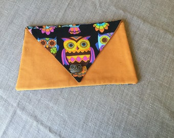 OWL button and fabric pouch.