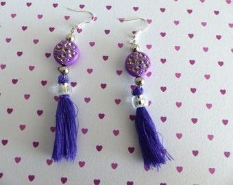 A pair of earrings thousand and one nights
