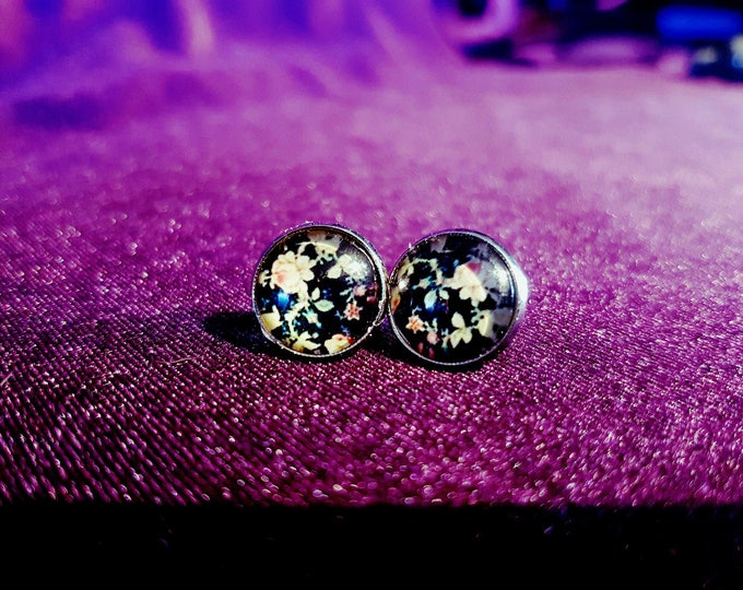 Retro Stud Earrings with flower print - gothic rockabilly 60's 70's 50's vintage