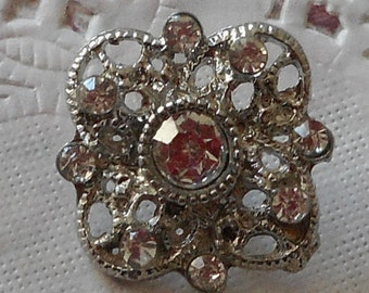 Flower button rhinestone square glass and metal and rhinestone tail 2.00 cm
