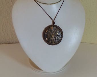 Ceramic and gold necklace