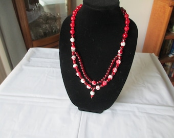 Double-strand red necklace