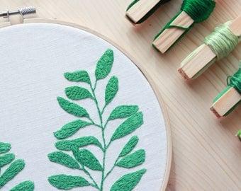 """Double Green leaves//25.5 cm-10 """"hoop"""