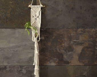Macramé flower pot, handmade wall hanger, bohemian wall plant hanger, small macramé flowerpot, natural style, mini macramé, boho style gift