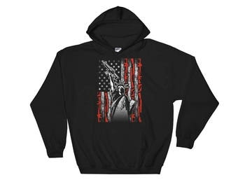 American Patriot Gun Rights Statue Of Liberty 2nd Amendment Gun Owners Unisex Hooded Sweatshirt