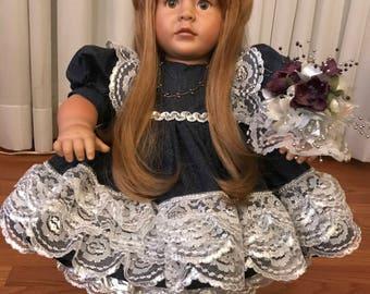 Rose - long auburn hair and brown eyes.
