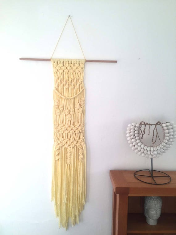Macrame T-shirt Yarn Wall Hanging / Recycled t-shirt yarn / Macrame ...