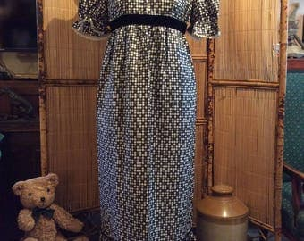 1970,s Black, White and Grey patterned dress