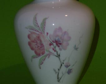KPM Krister Porcelain Model 3, 1950 height 10 cm