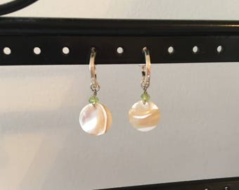 Coin pearl and peridot earring