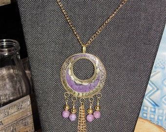 Old World Deisgn Pendant Necklace