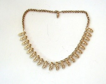 vintage gold leaf collar necklace with adjustable chain . 1950s 1960s jewelry, oak leaf necklace