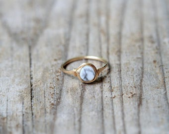 Marble Solitaire Ring , Howlite Gemstone Round Ring in Gold , Rose Gold , Sterling Silver , Wire Wrapped White Stone