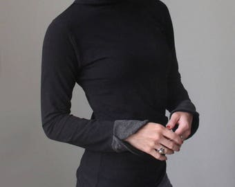 mock turtleneck top/long sleeved/black with charcoal petal cuffs