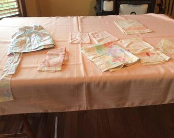 Vintage Linen Peach Bundle 9 Pieces 1Tablecloths 7 Towels  1  Apron  - B124