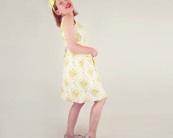40s Yellow Flower Print Cotton Sundress with Rickrack Trim M