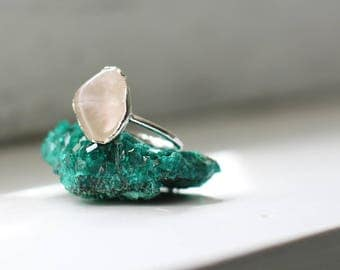 Rose Quartz Ring - Alternative Engagement Ring - Crystal Boho Ring - Raw Stone Engagement Ring - Rough Pink Stone Ring - Raw Crystal Ring