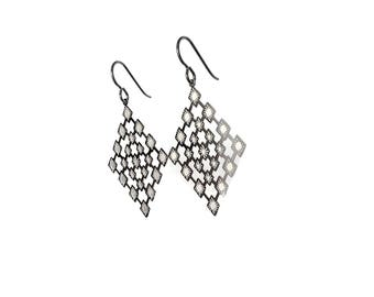 Organic losange dangle earrings - Pure titanium and stainless steel