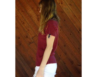 Striped Split Yoke Ribbed T Shirt - Vintage 90s - S/M