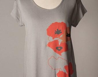 womens shirt, poppy shirt, red poppies, gray shirt, floral poppy screenprint