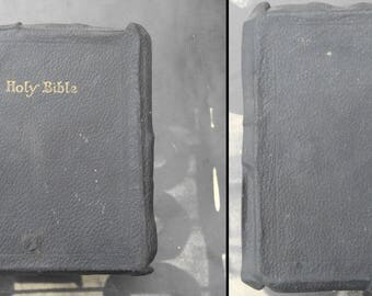 Antique Edwardian black leather and gold gilt Holy Bible self pronouncing edition King James version The Judson Press aged gothic book